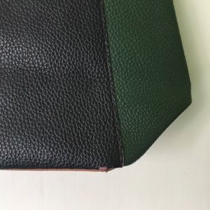 Neiman Marcus Bags - Neiman Marcus // Black, Green Faux Leather Tote